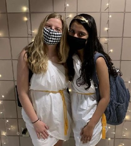 Seniors Anna Isaacson and Falasha Mahadevia don togas for Spirit Week.